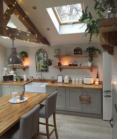 New Kitchen, Kitchen Decor, Kitchen Ideas, Kitchen Wood, Country Kitchen, Kitchen Interior, Apartment Kitchen, Kitchen Shelves, Summer Kitchen