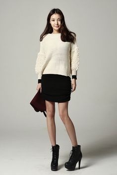Volume Fuzzy Sleeve Knit Top