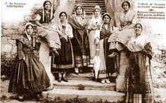 Coiffures et costumes du Comtat Venaissin. (1918)