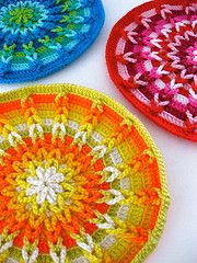 Crochet~~ love the colors!! see http://www.crochetmemories.com/archive/misc9.html  for pattern