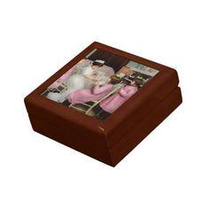 Nurse - Playing nurse 1918 Gift Box