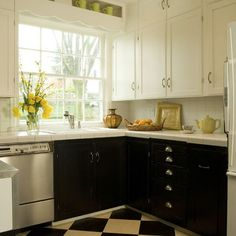 1000 images about two tone kitchen on pinterest two for Black lower kitchen cabinets