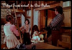 Ingalls Family, Michael Landon, Laura Ingalls Wilder, Old Tv, Classic Tv, Memories, London, House, Black