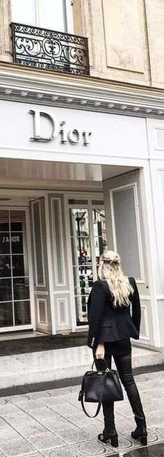 Shopping Day, Shopping Spree, Luxury Store, Shop Till You Drop, Parisian Chic, Girls Life, Casual Chic, Glamour, Street Style
