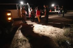 Una nueva ola de inmigrantes agobia a centros de detención de EE.UU. – WSJ – The Bosch's Blog