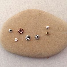 Lisa Yang's Jewelry Blog: free tutorials
