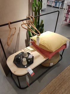 Zero Waste, Turntable, Ikea, Music Instruments, Blog, Record Player, Ikea Co, Musical Instruments, Blogging
