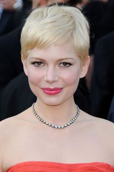 Browse through these short hairstyles for women and get some inspiration from celebrities whose super-stylish short hair has had them turning heads for all the right reasons. Really Short Hair, Super Short Hair, Short Wedding Hair, Wedding Hair And Makeup, Bridal Makeup, Short Hairstyles For Women, Celebrity Hairstyles, Hair Styles 2014, Short Hair Styles