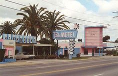 Pink Motel in Sun Valley, California, U.S.A. 1950s. The coloring and mood are my favorite of America.