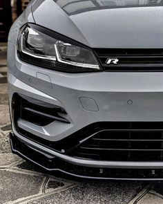 Reckon I like this angle Vw Golf R Mk7, Golf 7 Gti, Volkswagen Golf R, Volkswagen Beetles, Vw Wagon, Gti Mk7, Vw Cars, Futuristic Cars, Cool Cars