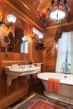 Victorian Cottage, Victorian Homes, Vintage Homes, Clawfoot Tub Bathroom, Pedestal Tub, House Journal, Galley Kitchens, Ranch Style Homes, Vintage