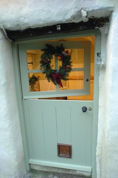 I've always dreamed of having a Dutch door. Maybe if I lived in California, but not in New York!