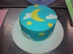 Cloud cake - first ever fondant cake!