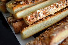 Saratele fragede | Savori Urbane Hot Dog Buns, Hot Dogs, Bread, Ethnic Recipes, Food, David, Cooking, Brot, Essen