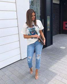 Ripped Jeans Women To Wear This Season – Trendy Fashion Ideas Cute Casual Outfits, Casual Chic, Stylish Outfits, Casual Brunch Outfit, Casual Ootd, Fashion Killa, Look Fashion, Street Fashion, Trendy Fashion