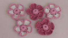 Вязание маленького цветка с объёмной серединкой-ягодкой. Урок вязания кр...