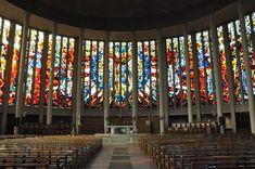 La grandiose nef de l'église Saint-Pierre d'Yvetot. Normandie