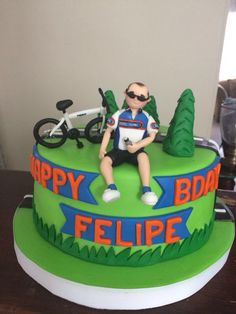 Cake bike - Cake bike - The Effective Pictures We Offer You About Cake Design compleanno A quality picture can tell you many things. Bicycle Cake, Bike Cakes, 60th Birthday Cake For Men, Themed Birthday Cakes, Bohemian Cake, Cake Designs For Kids, Painted Cakes, Dessert Decoration, Unique Cakes