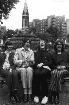 Richard Starkey, Paul McCartney, John Lennon, and George Harrison Beatles Love, Les Beatles, Beatles Photos, Beatles Poster, Beatles Lyrics, Ringo Starr, George Harrison, Paul Mccartney, Rock Music
