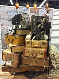 Tim Holtz suitcases at CHA 2015 Antique Store Displays, Store Window Displays, Market Displays, Merchandising Displays, Vintage Suitcase Decor, Charity Shop Display Ideas, Suitcase Display, Christmas Booth, Booth Decor