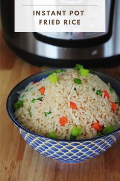 Instant Pot Fried Rice - Living Smart And Healthy Instant Pressure Cooker, Pressure Cooker Recipes, Pressure Cooking, Veggie Fries, Veggie Stir Fry, Making Fried Rice, Instant Recipes, Cooking Recipes, Healthy Recipes