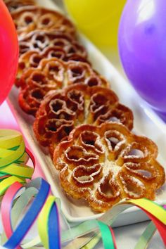 Kakkuviikarin vispailuja!: Rosetit Waffles, Cooking Recipes, Baking, Breakfast, Miniature, Food, Retro, Inspiration, Morning Coffee