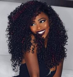 #hairinspiration ⚡Her hair color ,her curls pattern ,her make up ..Everything looks so perfect ⚡ #inspiration #repost #makeup #lipsticks #curls #nicehair#divaswigs#curly