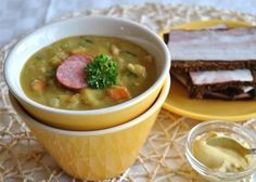Dutch pea soup «Snert»