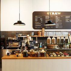 42Raw // Our favorite Raw food cafe in Copenhagen with great food, breakfast, desserts, smoothies and juices. GKS
