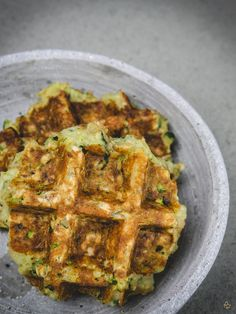 Zucchini Knusper Waffeln Matching the cozy TV peep, there are for me yummy Zucchini crispy waffles. Baby Food Recipes, Cooking Recipes, Healthy Recipes, Cake Courgette, Crispy Waffle, Protein Foods, Buffet, Kids Meals, Love Food