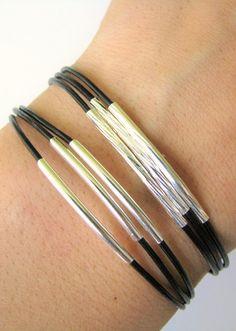 Bracelet fin en cuir noir avec Tubes argentés par MaisJewelry