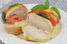 Piept de pui Caprese - CAIETUL CU RETETE Mozzarella, Sushi, Capri, Japanese, Ethnic Recipes, Food, Ham, Salads, Japanese Language