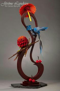 This is amazing- all made of chocolate! Chocolate Work, Divine Chocolate, Chocolate Flowers, Chocolate Centerpieces, Chocolate Decorations, Chocolate Showpiece, Chocolates, Food Sculpture, Creative Food Art