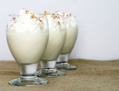 Coconut Cream Pudding (use condensed coconut milk) mmmmm :) Desserts In A Glass, Mini Desserts, Dessert Recipes, Condensed Coconut Milk, Coconut Ice Cream, Canned Coconut Milk, Whipped Cream, Pudding Desserts, Food Cakes