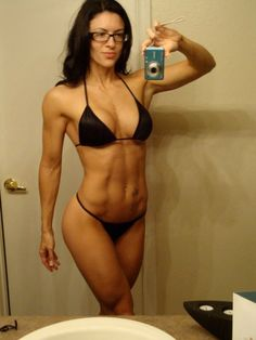 amanda latona, IFBB bikini pro. strength and beauty.