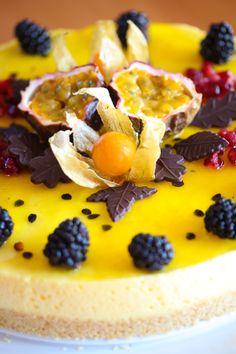 Bakelyst.no: Enkel fromasjkake med pasjonsfrukt.