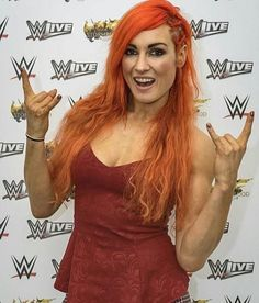 Becky Lynch, Wrestling Divas, Women's Wrestling, Becky Wwe, Girls Taking Selfies, Rebecca Quin, Paige Wwe, Kicker, Wwe Girls
