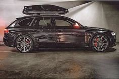 "Who said: ""family or fun""? This proves him wrong - Perfect couple: Audi Avant & Thule box ---- oooo - what else ---- Audi Allroad, Audi Rs7, Audi Quattro, Audi Wagon, Wagon Cars, Audi Sport, Sport Cars, Audi Australia, Car Roof Box"