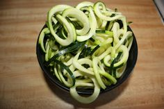 Zucchini Noodles for Everyone - Guliash Girl Zucchini Noodles, Green Beans, Spaghetti, Vegetables, Healthy, Ethnic Recipes, Food, Zuchinni Noodles, Veggies