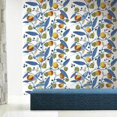Papier peint Paratiisi - Marimekko - Le prix indiqué est celui d'un panneau de papier peint de 140x330 cm. Il est livré en rouleau contenant 2 lés de 70 cm de large et de 330 cm de long. 215e