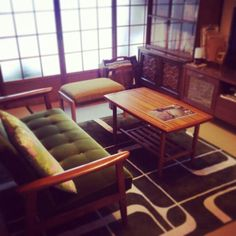 In this installment in our series on how to live in a Japanese apartment, we give a few ideas for how to decorate and efficiently use a Japanese-style room. A Japanese-style room is a room that is covered in tatami. Decor, 1970s Living Room, Living Room Interior, Furniture, Home Decor, Interior Architecture, Room, Interior Decorating, Outdoor Furniture Sets