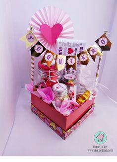 6 different ideas for a surprise box – Dulce Elite% – different box Dulc … - Modern Diy Bouquet, Candy Bouquet, Birthday Box, Birthday Gifts, Cute Gifts, Diy Gifts, Breakfast Basket, Surprise Box, Chocolate Gifts