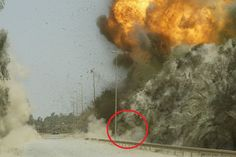 На Украине погибла женщина во время мощного взрыва на заводе боеприпасов http://kleinburd.ru/news/na-ukraine-pogibla-zhenshhina-vo-vremya-moshhnogo-vzryva-na-zavode-boepripasov/