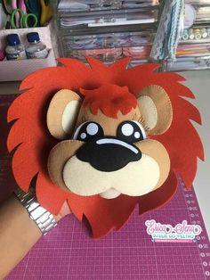 Felt Crafts Diy, Crafts For Kids, Paper Crafts, Free Printable Monogram, Sewing Stuffed Animals, Felt Baby, Safari Party, Felt Patterns, Animal Projects