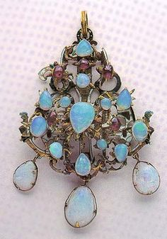 Opal pendant from the 16th century located in Hungarian National Museum, Budapest
