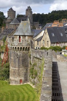 Fougères (Bretagne), France by rui vale sousa Wonderful Places, Great Places, Beautiful Places, Travel Around The World, Around The Worlds, Places To Travel, Places To Visit, Places In Spain, Brittany France