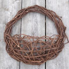 http://fossillady.hubpages.com/hub/How-to-Make-a-Grapevine-Basket