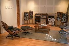 Vintage Pioneer setup with HPM's.  Drooling here.  This is so choice!