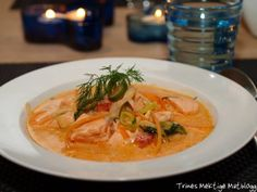 Fyldig laksesuppe med dill - TRINEs MATBLOGG Salmon Soup, Iftar, Thai Red Curry, Great Recipes, Meal Planning, Food And Drink, Fish, Meals, Ethnic Recipes
