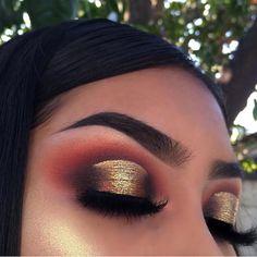 Pageant and Prom Makeup Inspiration. Find more beautiful makeup looks with Pageant Planet. Glam Makeup, Eye Makeup Tips, Makeup Goals, Pretty Makeup, Love Makeup, Skin Makeup, Makeup Inspo, Eyeshadow Makeup, Makeup Inspiration